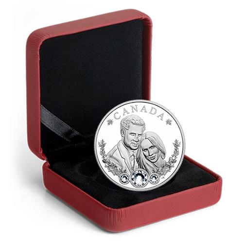 เหรียญเงินแท้ขัดเงาพร้อมประดับคริสตัลแท้จากสวารอฟสกี้ ที่ระลึกพิธีเสกสมรสของเจ้าชายแฮรี่และพระคู่หมั้น