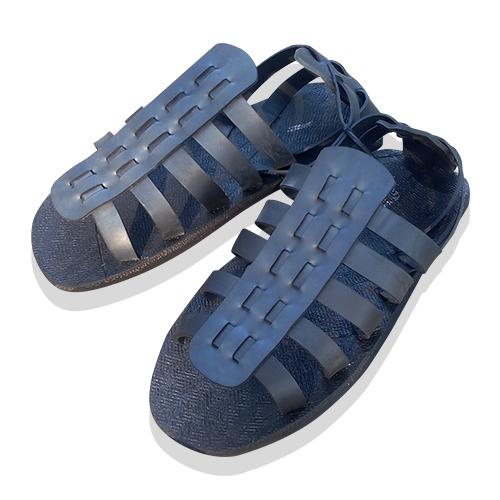 รองเท้ายางรถยนต์แบบรัดส้น (เบอร์ 10)