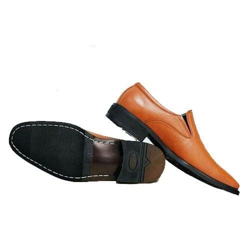 รองเท้าผู้ชายหนังกลับ สีน้ำตาล