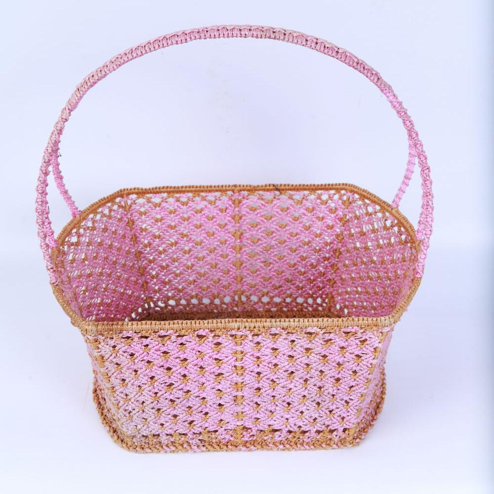 ตะกร้าโครงเหล็กสานด้วยไนลอนสีชมพู (เล็ก) ผลิตโดยกลุ่มแม่บ้านโสกงูเหลือม ต.ขุนทอง อ.บัวใหญ่ จ.นครราชสีมา