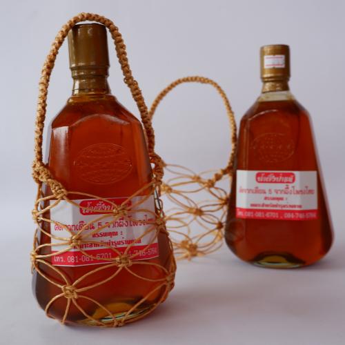 น้ำผึ้งป่าแท้ เดือน 5 จากผึ้งโพรงไทย จังหวัดชุมพร ถ้ำสิงห์