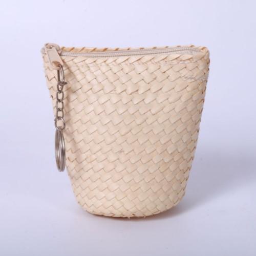 กระเป๋าสตางค์จากต้นกก (1 ชุด มี 5 ใบ) ต.ตาเป็ก อ.เฉลิมพระเกียรติ จ.บุรีรัมย์