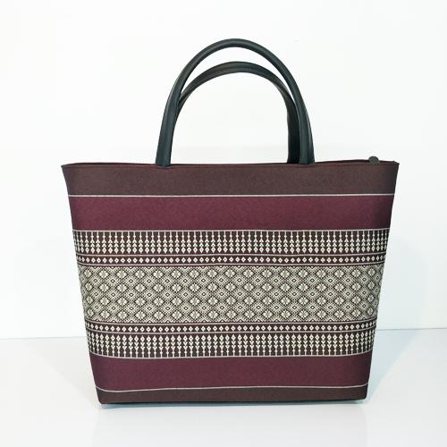 กระเป๋าซิปสวย ผ้าลายไทย