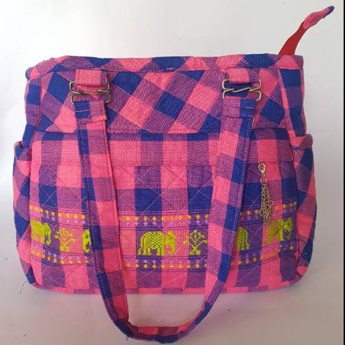 กระเป๋าสะพายผ้าเย็บแฮนด์เมด