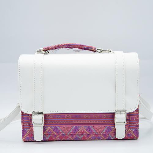 กระเป๋าผ้าไทยทรงกล่องสีชมพู จำนวน 1 ใบ
