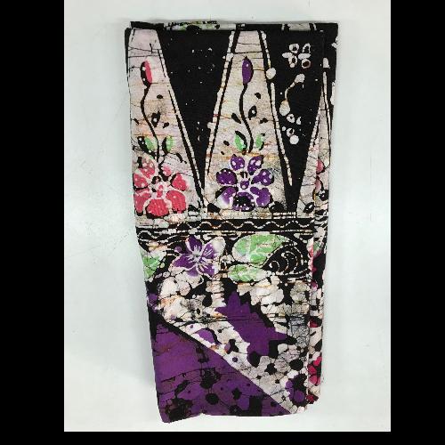 ผ้าถุงปาเต๊ะ สีม่วง/ดำ  By Yada Batik