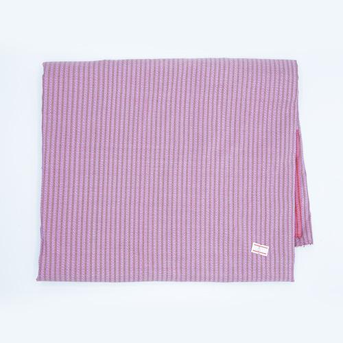 ผ้าไหมหางกระรอกคู่ ตีนแดง (4X1 เมตร)