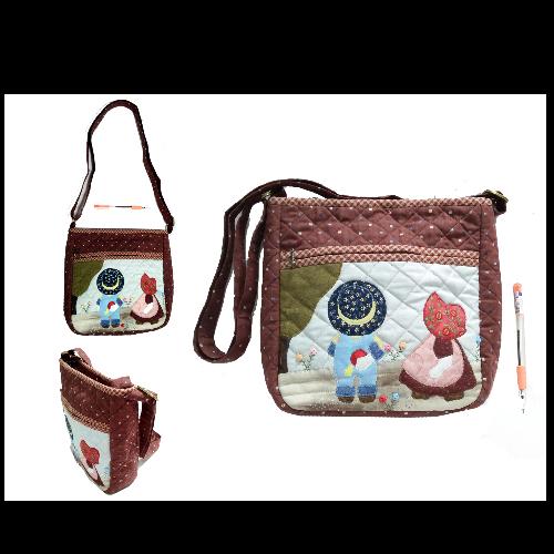 กระเป๋าสะพายลายควิลท์ผ้าญี่ปุ่น (งานแฮนด์เมด)