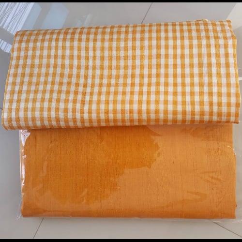ผ้าไหมพื้นผ้าไหมลายสก๊อต (0813698771)