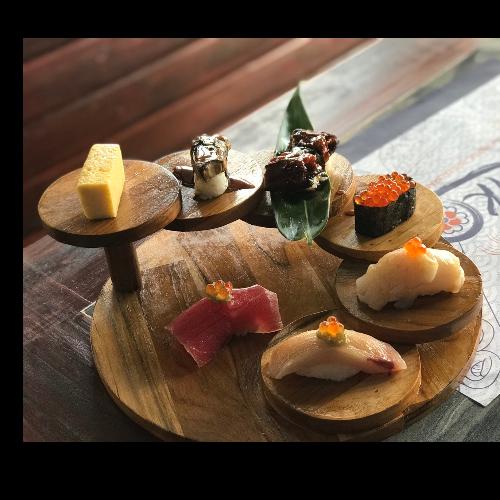 บันไดวางซูชิและอุปกรณ์ร้านอาหารญี่ปุ่น