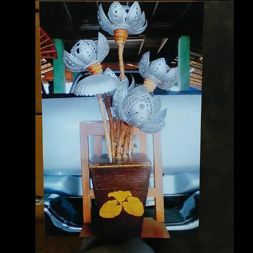 โคมไฟแก้วกะลาตั้งโต๊ะดอกบัว 5 ดอก