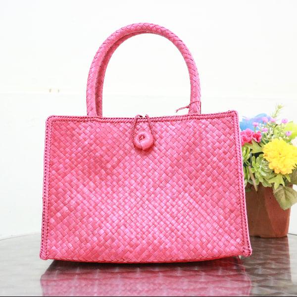 กระเป๋าสานใบเตยหนามใบเล็ก สีแดง