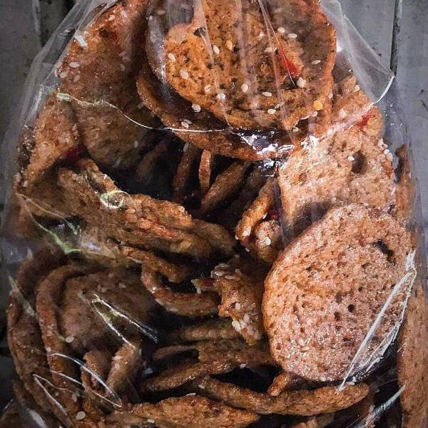 ข้าวเกรียบปลารสหวานงา 500 กรัม (1ถุง)ส่งฟรี EMS อร่อยมาก