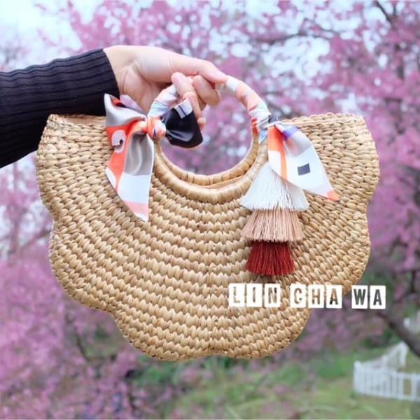 กระเป๋าทรงดอกไม้