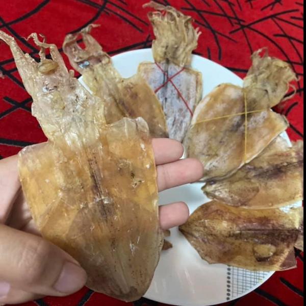 ปลาหมึกตากแห้ง หมึกเรือไดร์ตากแห้ง ส่งตรงจากทะเลอ่าวไทย (10 ตัว)
