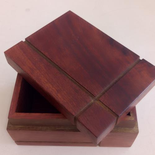 กล่องไม้ใส่นามบัตรแพค