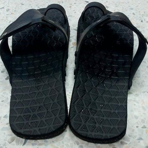 รองเท้ายางรถยนต์แบบคีบ เบอร์ 12