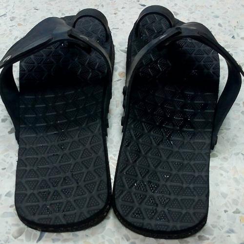 รองเท้ายางรถยนต์แบบคีบ เบอร์ 10